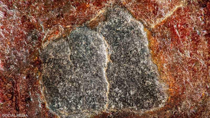 صورة مذهلة للحجر الأسود