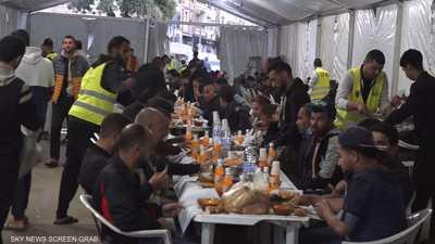 """الجزائر.. """"مطاعم الرحمة"""" تغتح أبوابها لإفطار عابري السبيل"""