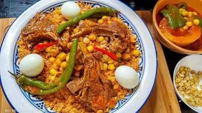 طبق الكسكسي.. ضيف مبجل على مائدة رمضان التونسية