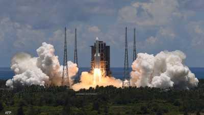 بعد الصاروخ الصيني.. مدير مركز الفلك الدولي يحذر من القادم