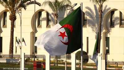 الجزائر.. أحزاب تنتقد إقصاء عدد كبير من القوائم الانتخابية