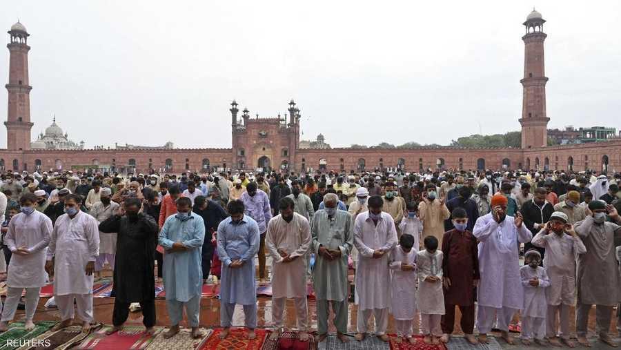 صلاة العيد في لاهور