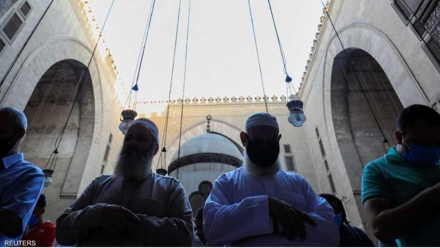 صلاة العيد في مسجد السلطان حسن في القاهرة