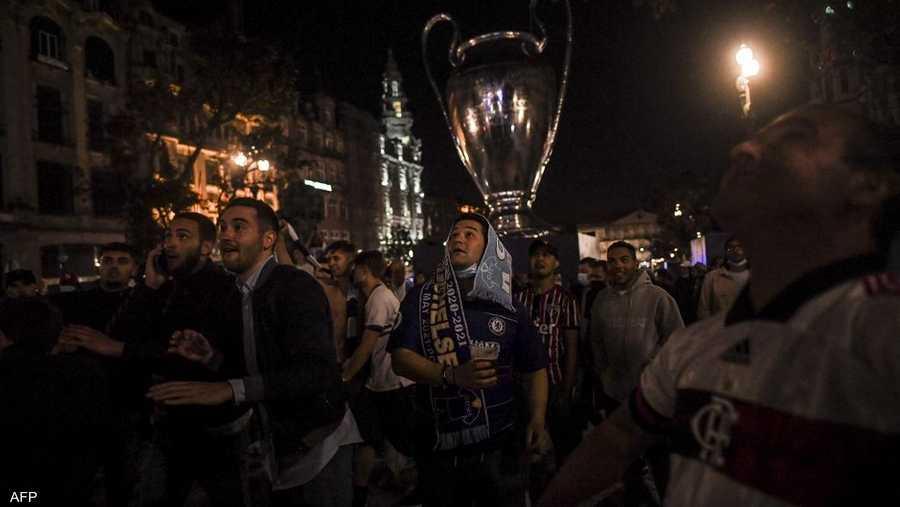 تجمع للجماهير وسط مدينة بورتو لمشاهدة النهائي