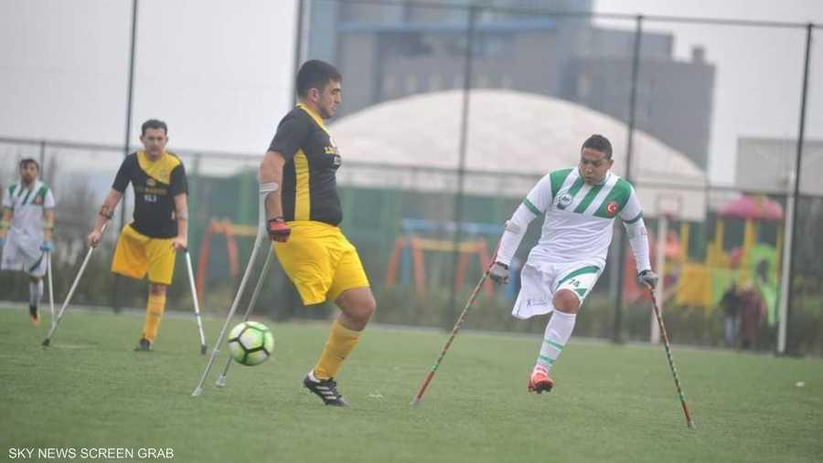 يحترف محمود في الدوري التركي