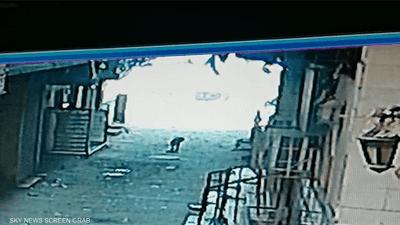 مصرية تلقي بجثة برضيعها داخل صندوق قمامة