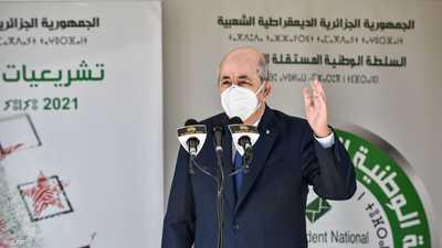 """تبون يدلي بصوته: بعض الدول منزعجة من """"ديمقراطية الجزائر"""""""