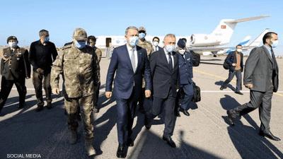 وزير الدفاع التركي في ليبيا.. إمعان في الانتهاك وخلط الأوراق