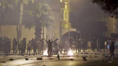 جانب من المواجهات بين الشرطة التونسية والمحتجين.
