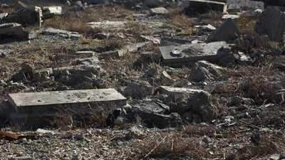 فتح مقبرة جماعية في العراق لتحديد هويات ضحايا داعش