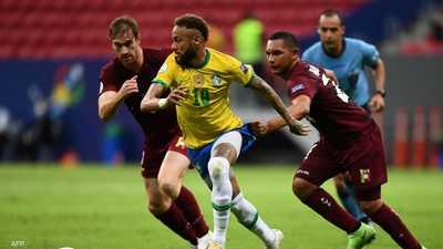 جانب من المباراة بين البرازيل وفنزويلا.