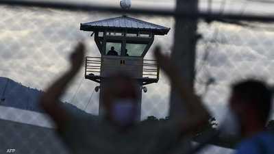 """سجن يتحول لـ""""ساحة حرب"""".. قتلى ومصابون و""""الشرطة عاجزة"""""""