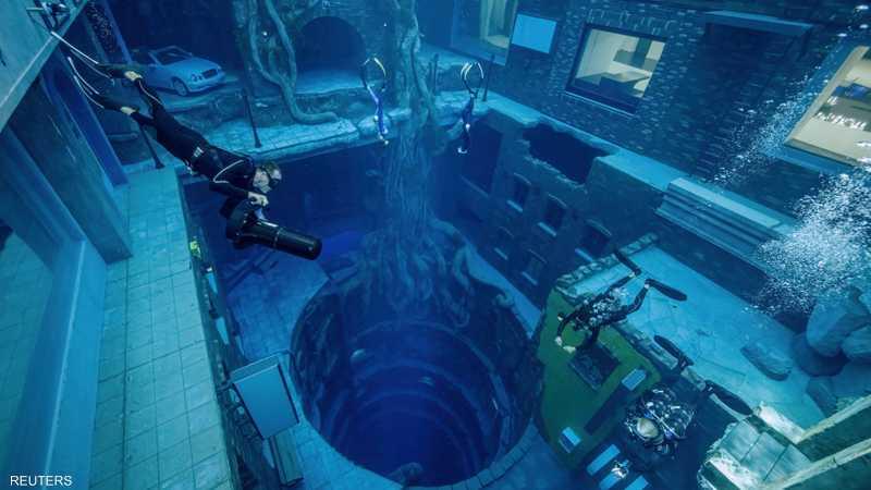 يمكن تصوير مشاهد سينمائية تحت الماء في المسبح
