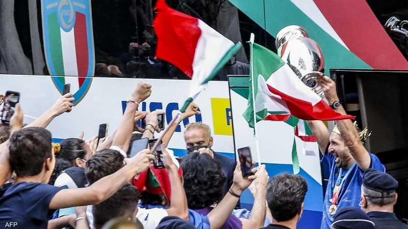 احتفل الإيطاليون بلقب بطولة أوروبا لكرة القدم كبداية جديدة ليس فقط لمنتخبهم الوطني الشاب، ولكن لبلد يتوق إلى العودة إلى الحياة الطبيعية بعد أن تضرر بشدة وطويلة من جائحة فيروس كورونا.