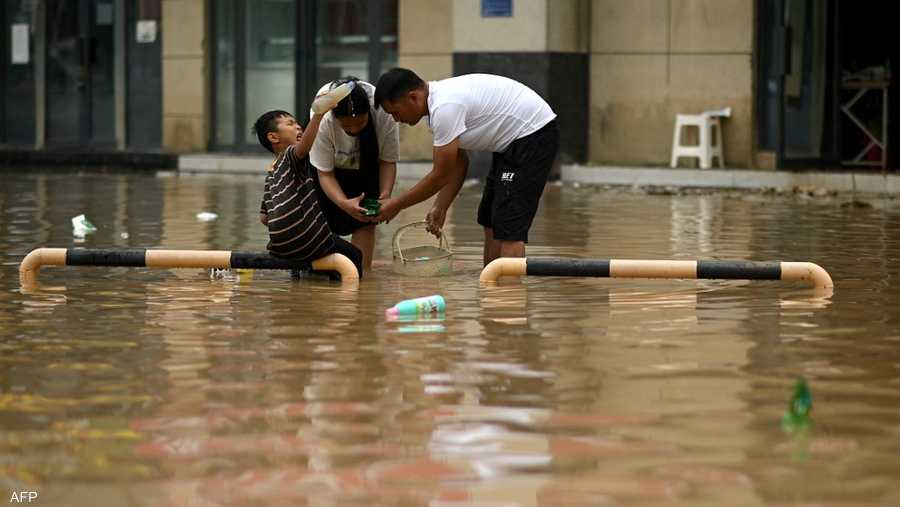 هطل على تشنغتشو ما يعادل عاما كاملا من الأمطار في غضون بضعة أيام.