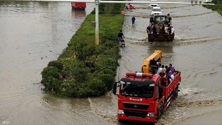 جهود الإنقاذ لا تزال مستمرة.