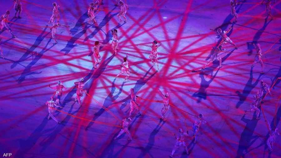جانب من عرض الرقص في افتتاح الأولمبياد