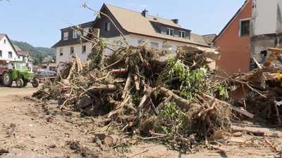 مخلفات فيضانات أوروبا
