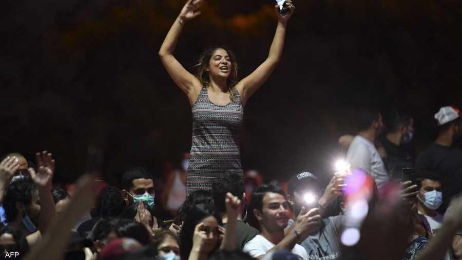 التونسيون خرجوا للشوارع احتفالا بإقالة المشيشي وتعطيل النواب