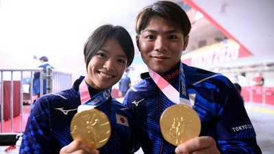 ذهبيتان خلال ساعة.. إنجاز غير مسبوق لشقيقين في الأولمبياد