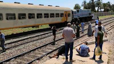 مصر.. إصابة شخصين بعد اصطدام قطار بجدار خرساني