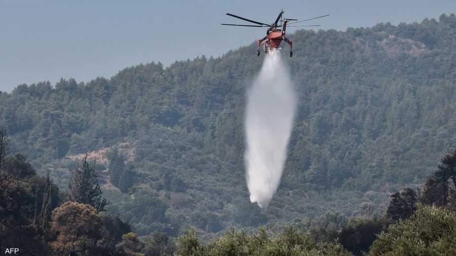النيران أدت لحالة استنفار بين قوات خفر السواحل والقوارب الخاصة وخدمات الإطفاء والجيش