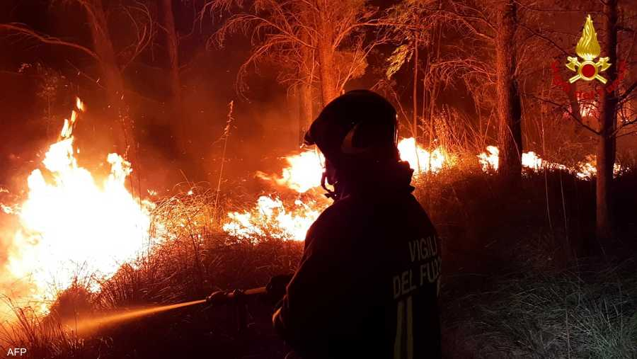 خلفت الحرائق المندلعة منذ أيام عددا من القتلى والجرحى.