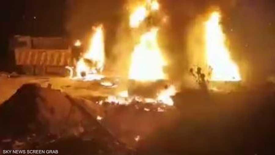 شب حريق كبير بعد الانفجار
