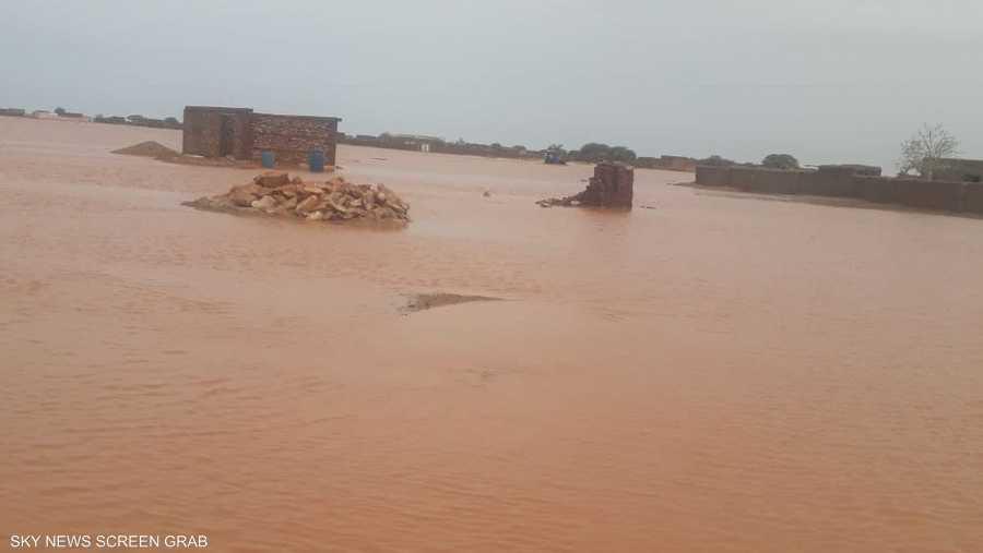 تعيش معظم القرى السودانية حالة استنفار بسبب السيول