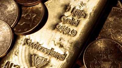 الذهب يخترق حاجز 1800 دولار مع تراجع الدولار