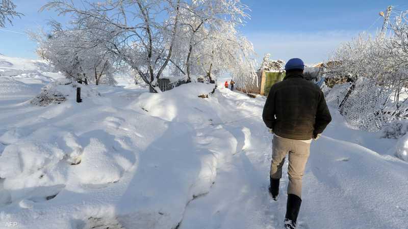 السلطات نفت تساقط الثلوج
