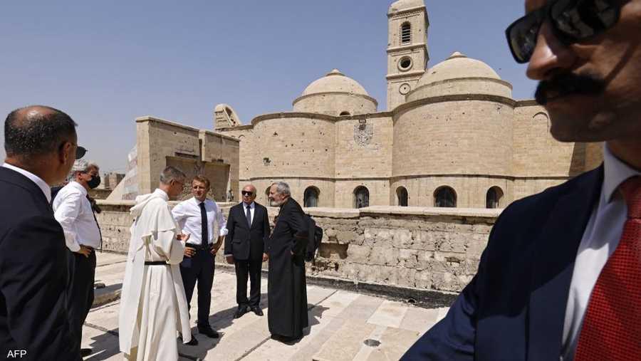 بنيت الكنيسة على الطراز الروماني البيزنطي.