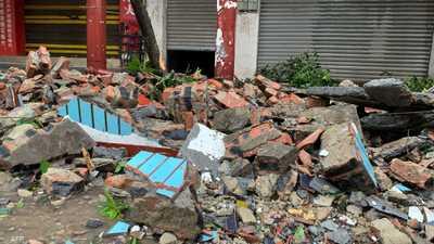 بالفيديو.. قتيلان وعشرات المصابين في زلزال جنوب غربي الصين