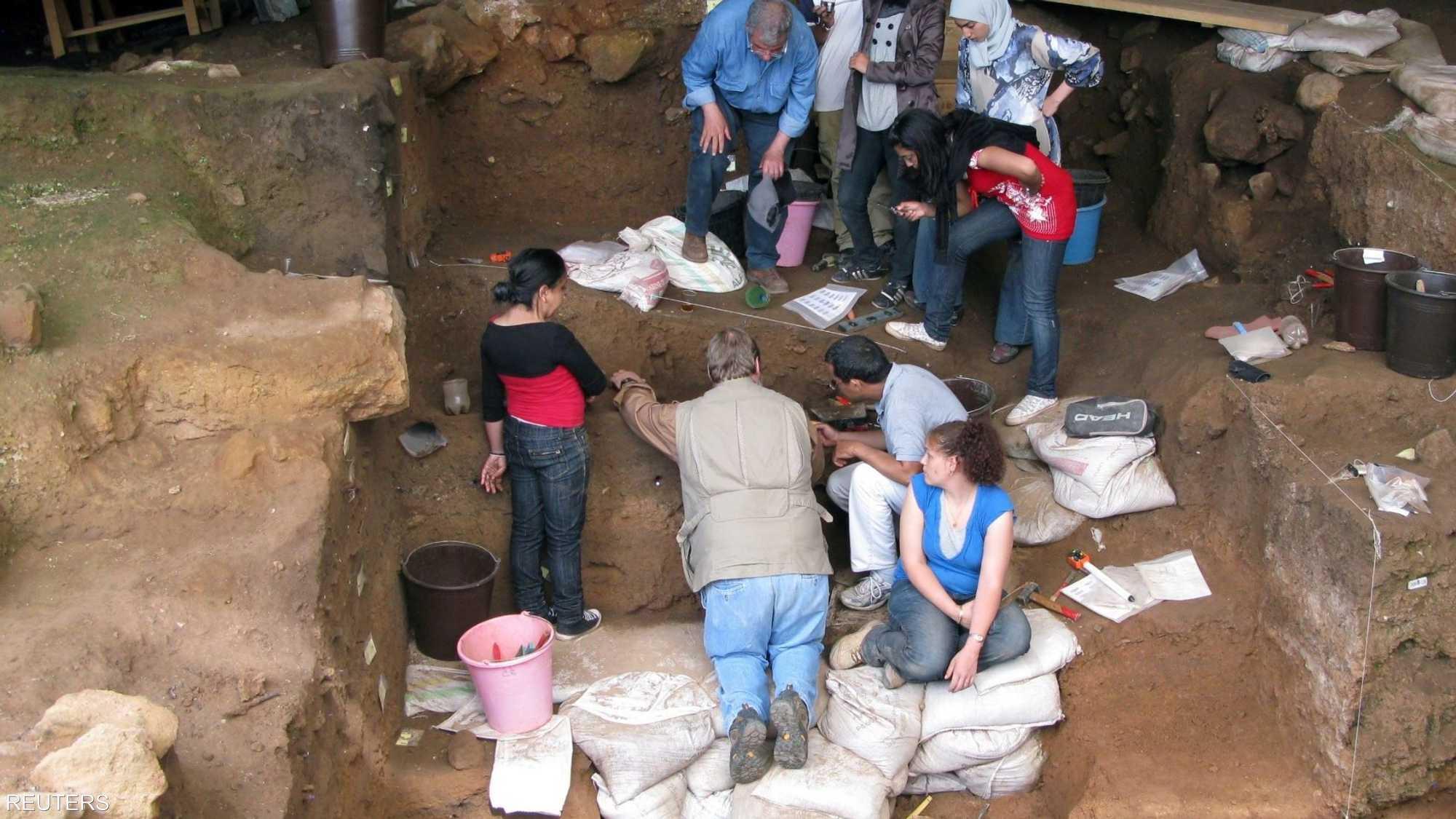 صور.. مغارة مغربية تكشف أقدم الأدلة على بداية صنع الملابس 1-1464300