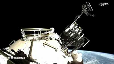 مركبة شحن فضائية تلتحم مع وحدة بمحطة فضاء صينية