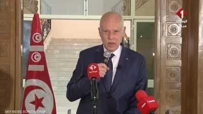 الرئيس التونسي يقول إنه سيغير قانون الانتخابات