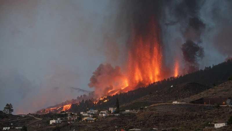 البركان ثار في جزيرة لا بالما الإسبانية