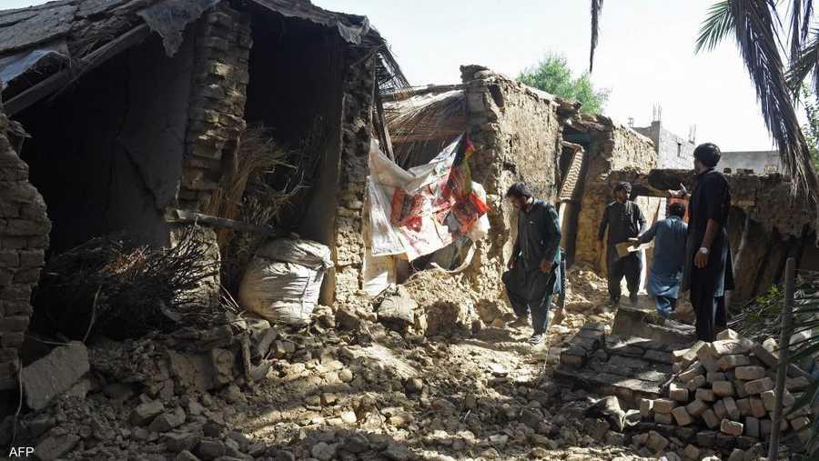 وقع الزلزال الذي بلغت شدته 5.7 درجة، في الساعات الأولى من صباح الخميس.