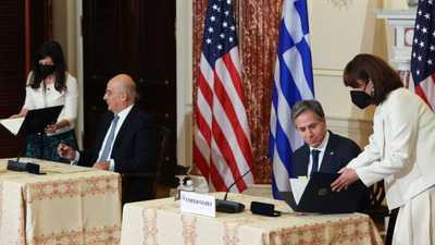 اتفاق أمني يمنح واشنطن العمل في 4 قواعد عسكرية في اليونان