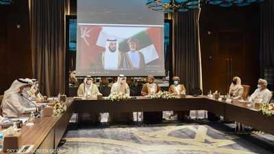 الإمارات وعُمان تبحثان تعزيز التعاون في الصناعة والتكنولوجيا