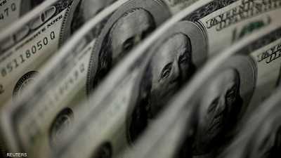 الدولار يواصل صعوده مع ارتفاع العائدات
