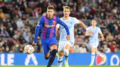 بيكيه يحافظ على آمال برشلونة في دوري الأبطال