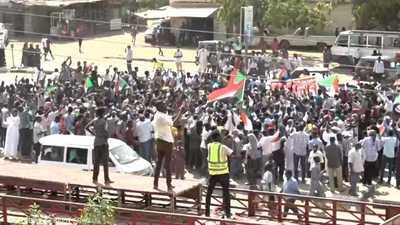 شوارع السودان تغص بالملايين دعما للحكم المدني