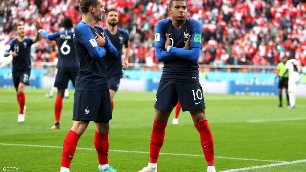 مبابي وغريزمان قادا فرنسا للمونديال الثاني