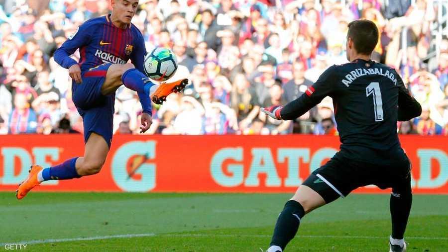 وقف سدا منيعا أمام برشلونة مرات عدة