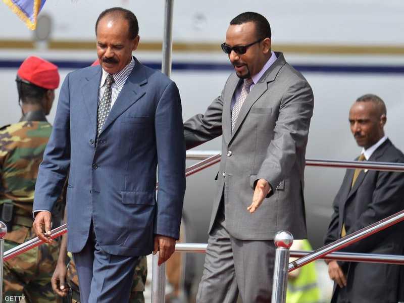 """وقع رئيس الحكومة الإثيوبية ورئيس إريتريا """"إعلان سلام"""""""