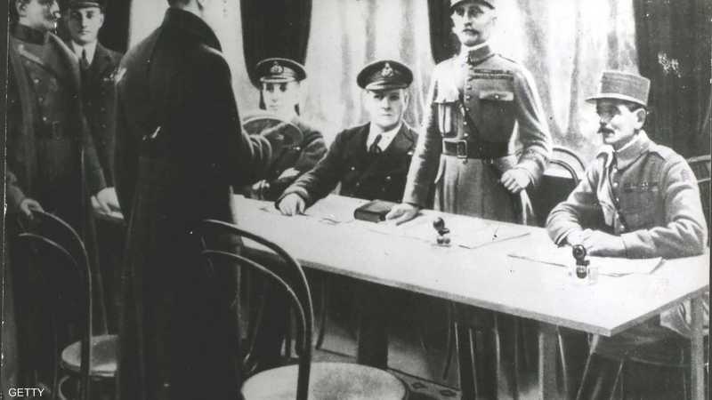 تم توقيع وثيقة هدنة الحرب العالمية الأولى يوم 11 نوفمبر 1918