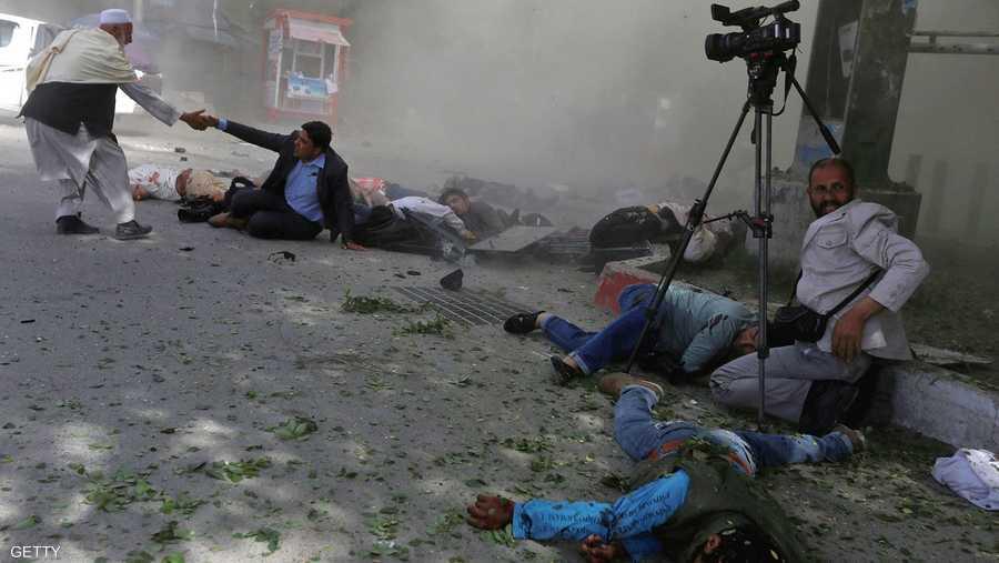 انفجار كبير في كابول، بعد تجمع الصحفيين لتغطية انفجار أول