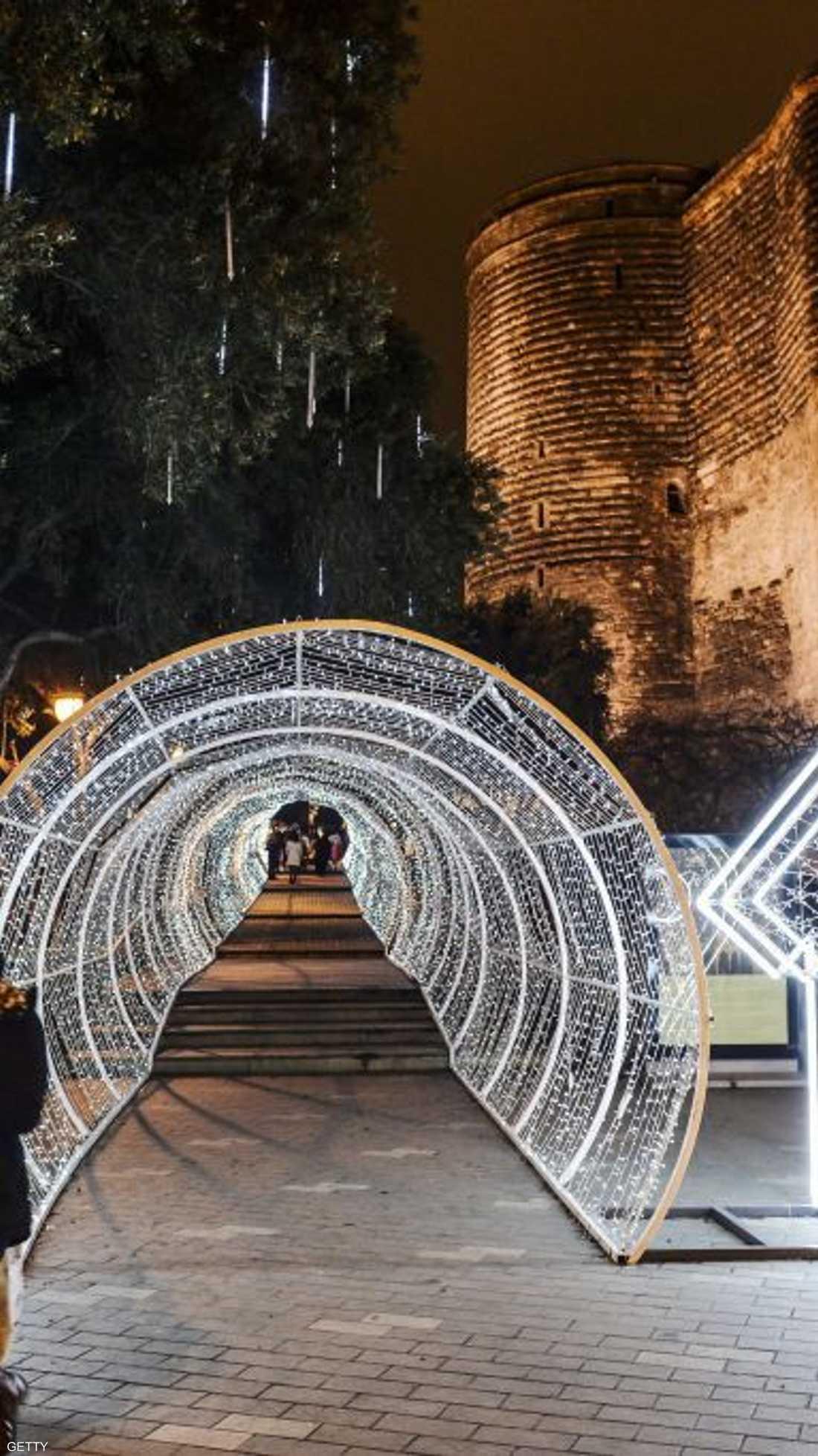 في أذربيجان فرحة بالعيد وأمل بقدوم عام جديد
