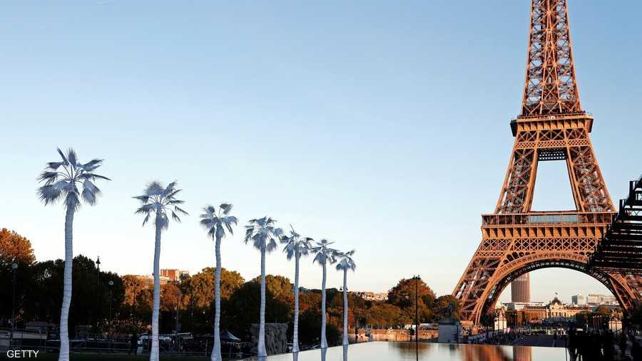 في العام 1884 أقامت الحكومة الفرنسية مسابقة لتصميم نصب تذكاري لتخليد الذكرى المئوية للثورة الفرنسية، وفازت شركة المهندس غوستاف إيفيل بأفضل تصميم.